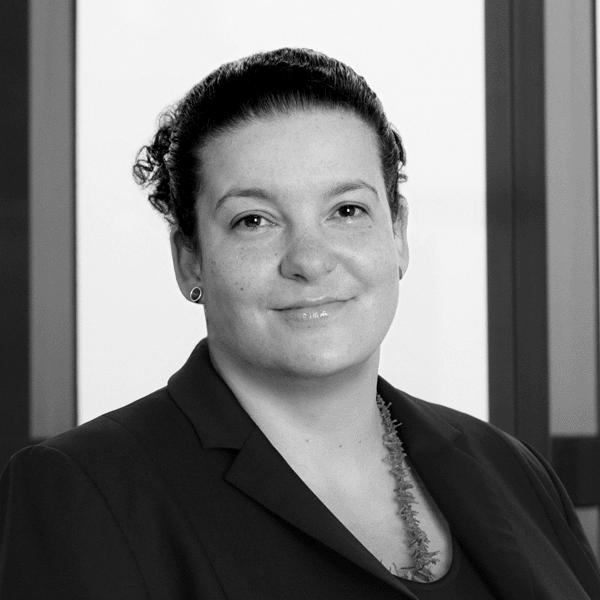Dr. Nadine Hartung
