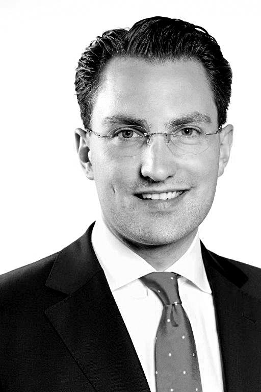 Dr. Alexander Schott